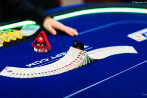 Pare de achar que o site de poker está te roubando